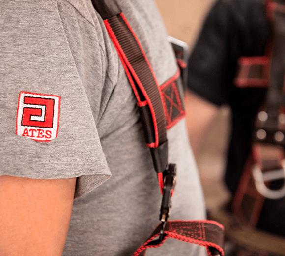 La calidad de la profesionalidad de nuestro equipo está certificada, nuestros trabajadores, operarios y operarias, técnicos, ingenierías e ingenieros forman un equipo avalado por más de 50 años de proyectos y clientes satisfechos