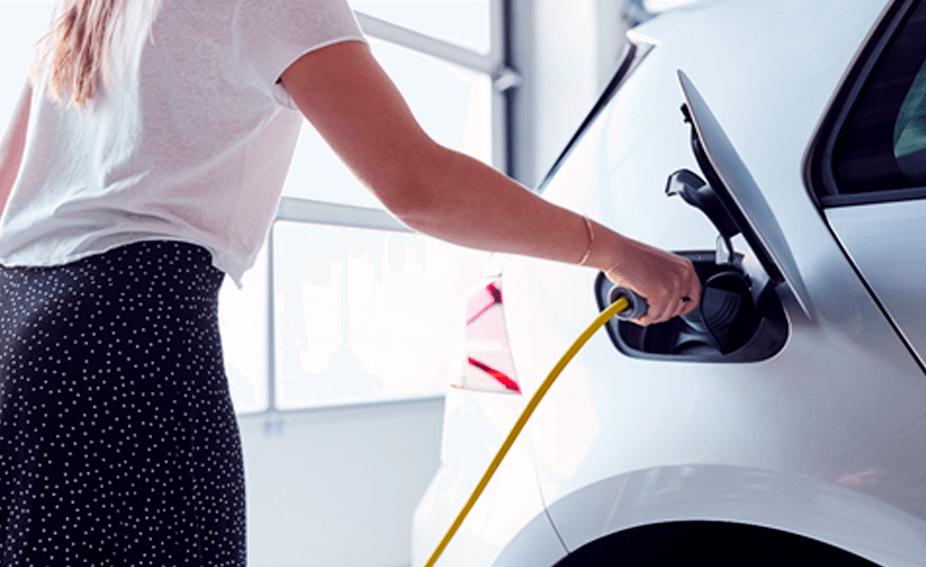 Instalación de puntos de recarga de coches eléctricos y vehículos eléctricos
