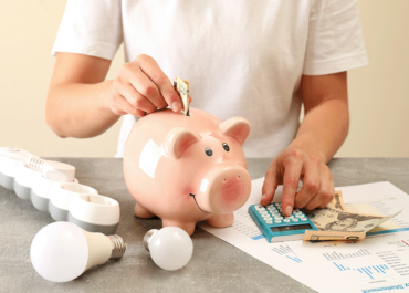 Once consejos para ahorrar energía hasta 784€ anuales en tu factura de luz